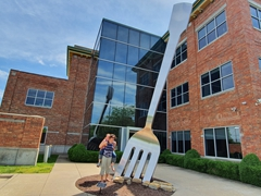 Becky G showing us the world's largest fork in Springfield, Missouri