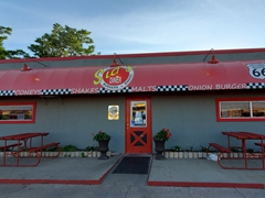 Sid's Diner - an authentic Rt 66 burger and shake joint in El Reno, Oklahoma