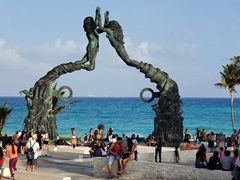 Standing over 50 feet high, this bronze beachside sculpture greets visitors to Playa del Carmen