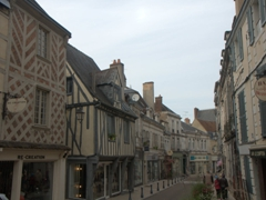 Auxerre is definitely a city to explore on foot!