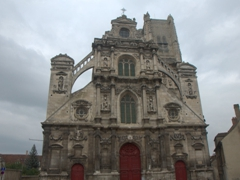 Visible from the Yonne River, the Church of St. Pierre en Vallée is worth a visit; Auxerre