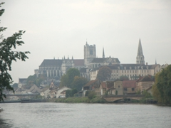 Misty morning view on our departure from Auxerre
