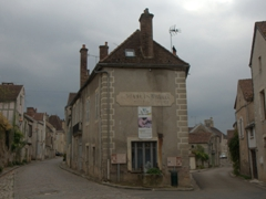A fork in the road; Noyers-sur-Serein