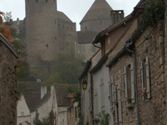 Wandering through the fortress town of Semur-en-Auxois is a delight