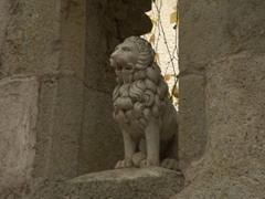 Carved lion statue; Semur-en-Auxois