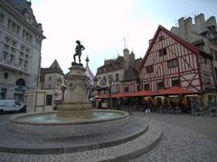 Place François Rude; Dijon