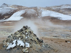 Steaming fumarole; Hverir