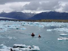 Zodiacs keeping ice from forming; Jökulsárlón