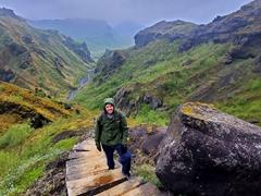Robby on the steep Fimmvörðuháls trail; Þórsmörk