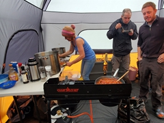 We linked up with the fun Madventure travelers at the Skjól Campground. Karen invited us for dinner and served up a delicious spag bol