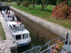 "Waiting for the water to equalize during the ""locking up"" process; Canal du Nivernais"