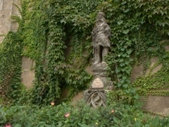 Vine covered statue; Clamecy