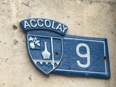 Address plaque; Accolay