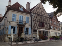 Typical architecture seen in Clamecy