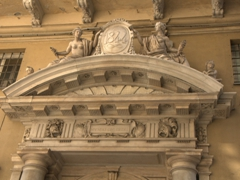 Entranceway detail of Palazzo Pantaleo Spinola (Gambaro); Via Garibaldi