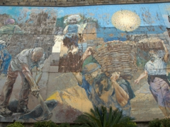 Large mural adjacent to the Riomaggiore train station