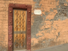 Decrepit entranceway to the Villino Caterina House; Riomaggiore