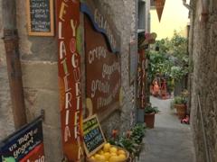 Ice cream! A popular eatery in Corniglia