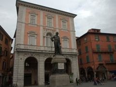 Statue of General Garibaldi (in a piazza with the same name)