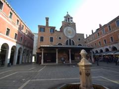 Square in front of San Giacomo di Rialto