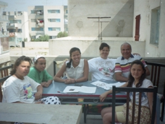 Another view of Becky with her Tunisian host family (this time with Ameera to the far left)