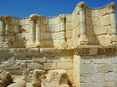 The architecture of Hisham's Palace was influenced by both Byzantine and Sassanian traditions