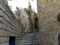 Don't worry, it's impossible to get lost in cute and quaint Old Jaffa