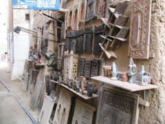 One of Shibam's many antique stores