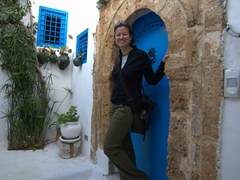 Becky posing in a Sidi Bou Said doorway