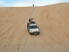 A thrilling sand dune ride to reach Mos Espa