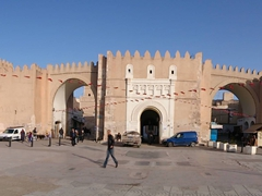 What a difference a night makes! The next morning, we can actually see the triple arched Bab Diwan; Sfax