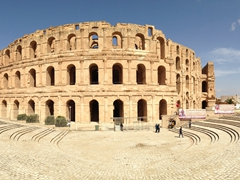 An hour louage ride later and we were in El Jem to admire its magnificent amphitheater