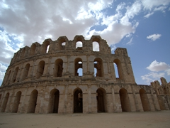 One final image of the amazing El Jem colosseum (the 3rd largest in the Roman world capable of seating 30,000 spectactors)