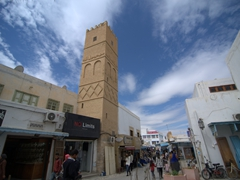 One of Kairouan's many mosques