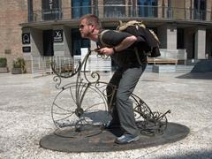 Lars' bike pose