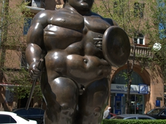 Botero statue; Cascades